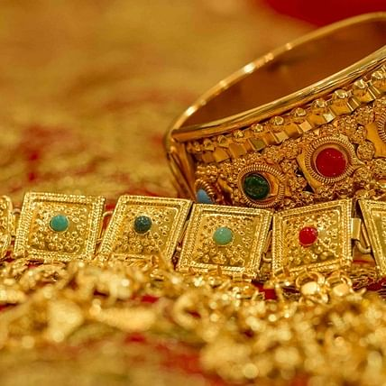 Gold Price Update on August 5: Yellow metal price hits record high of Rs 55,201 per 10 gram
