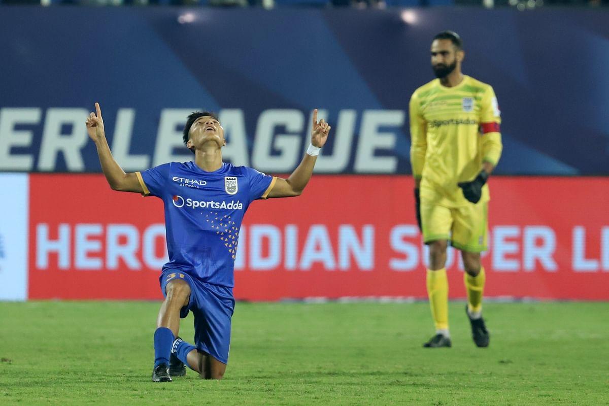 ISL: Mumbai City FC beat NorthEast United FC, keep play-off hopes alive
