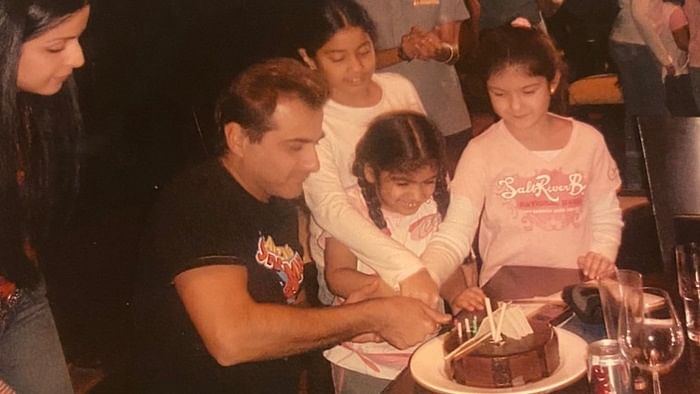 Janhvi, Khushi and Shanaya Kapoor look every bit adorable in this throwback picture