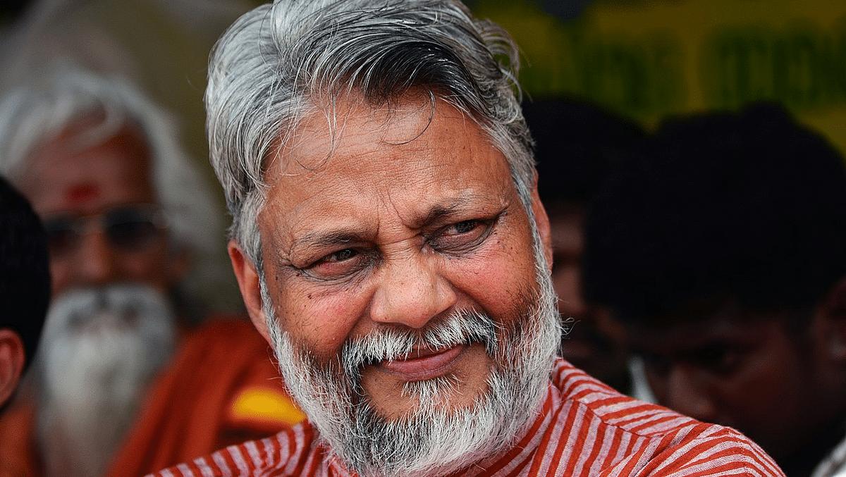 Bhopal: Waterman calls Sadhguru a 'fraud', Isha Foundation slams 'blatant untruth'