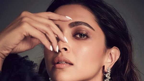 Deepika Padukone dedicates her first 2020 award to Laxmi Agarwal in an emotional note