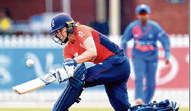 Batting collapse haunts India eves again