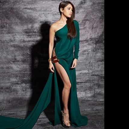 Nushrat Bharucha bringing her sexy back at Filmfare Awards