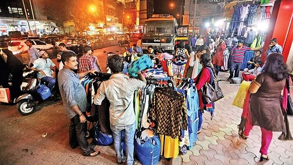 Mumbai: BMC plans to raise hawking charges; unions threaten protest