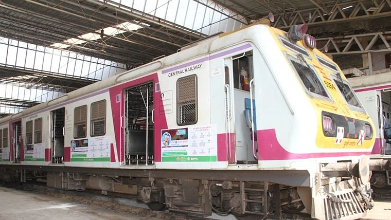 To spread awareness about coronavirus, Central Railway wraps 12-car local train with COVID-19 messages