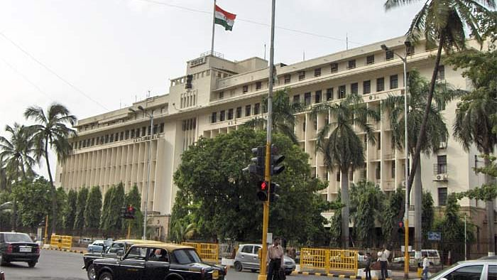Mantralaya tests COVID-19 positive