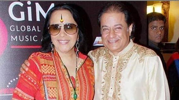 Singer Anup Jalota (R) with Ila Arun