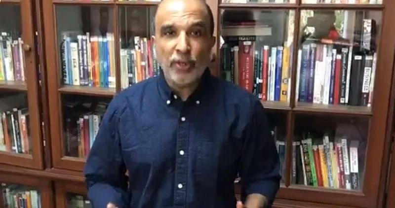 100 Congress leaders have written to Sonia Gandhi requesting change in leadership, claims Sanjay Jha