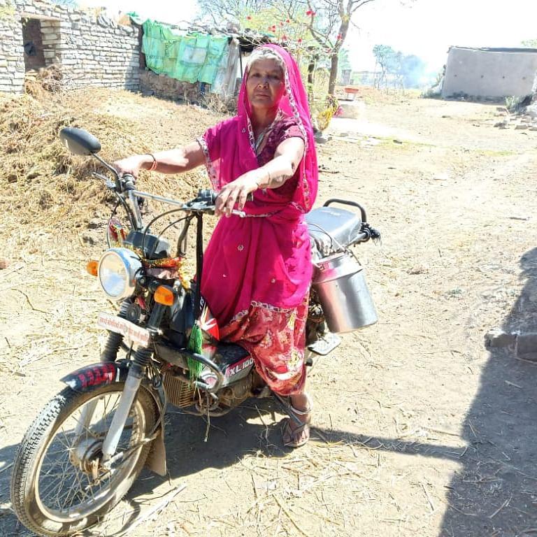 International Women's Day 2020: Single grandma Sohanbai is Moped Rani of Manasa