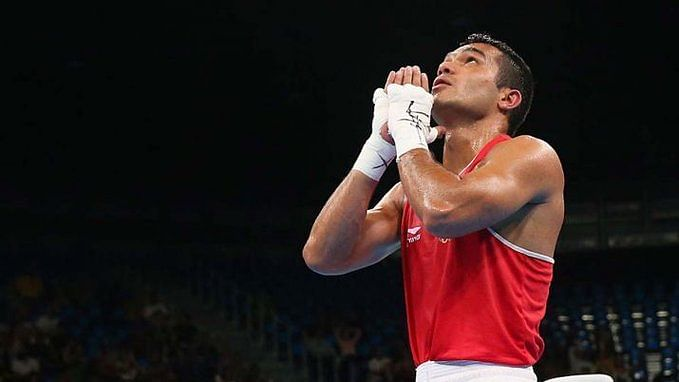 Vikas Krishan (69kg) advanced to the final with a win  over second seed Ablaikhan Zhussupov of Kazakhstan.
