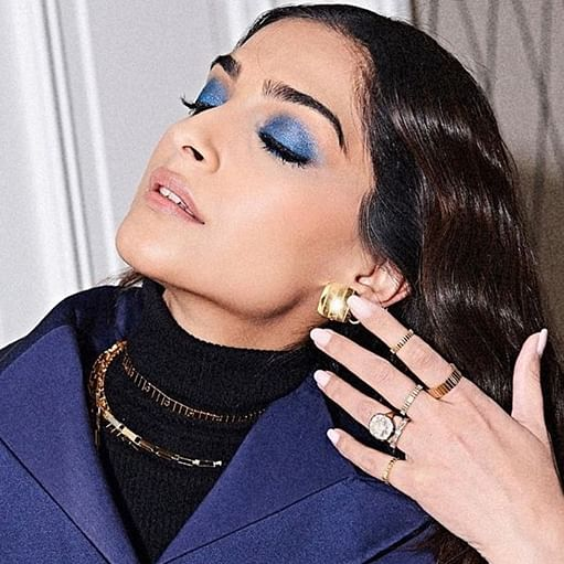 'Why do you care about 'trollverse'? People are dying': Twitter is tired of Sonam Kapoor tweeting 'rubbish'