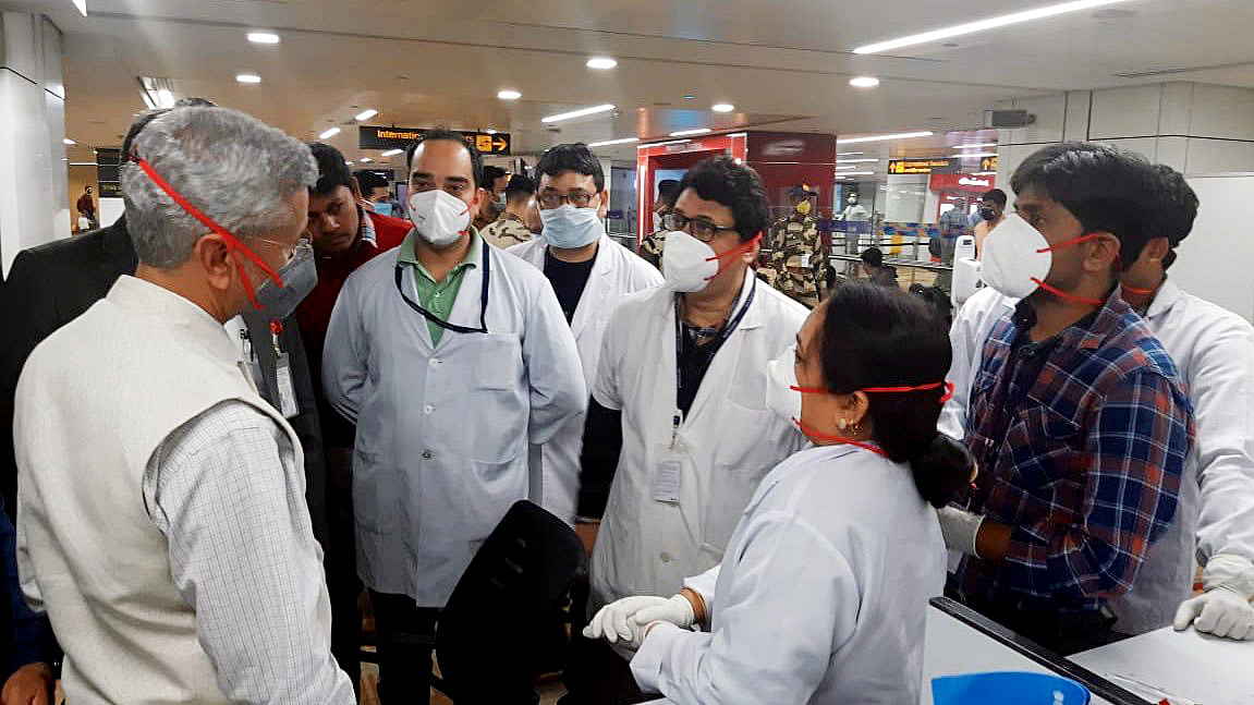 Coronavirus Update: The full story of the viral WhatsApp video of passengers at Delhi Airport
