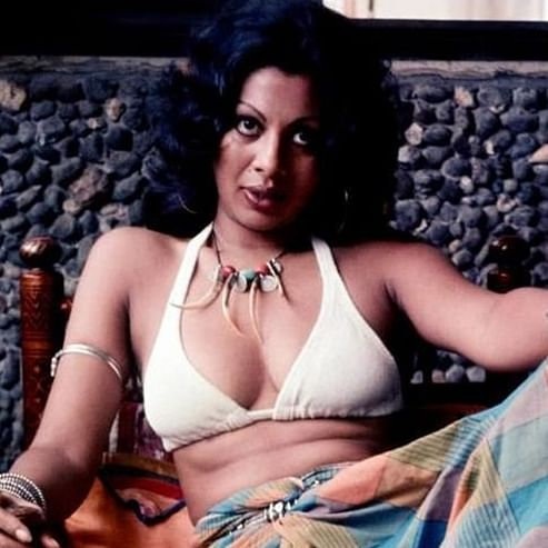 When Pooja Bedi's mother Protima ran naked on Mumbai's Juhu beach