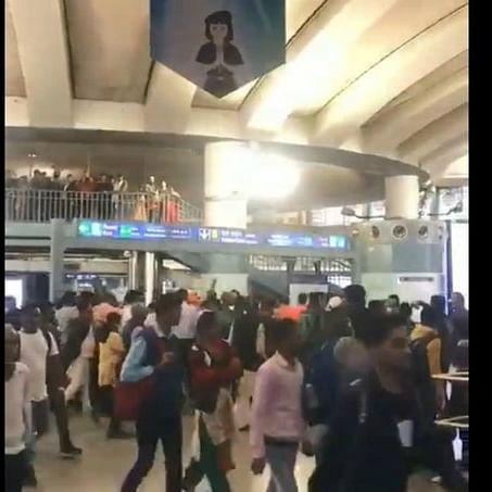 'Goli Maaro' chant at Delhi's Metro station in rush hour, six detained