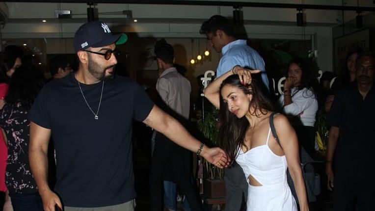 Arjun Kapoor, Malaika Arora set couple goals as they step out on dinner date; see pics