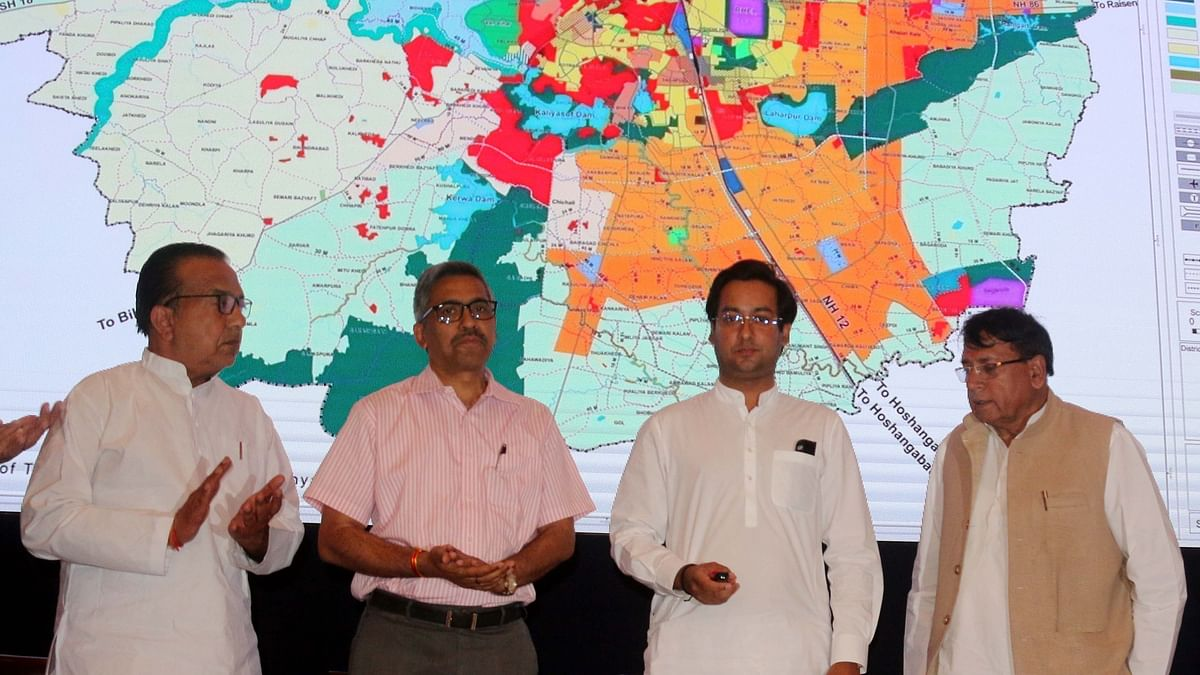 UAD Minister Jaivardhan Singh opens Bhopal Master Plan-2031 at Minto Hall on Thursday.