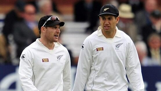 Brendon McCullum with Ross Taylor (R)