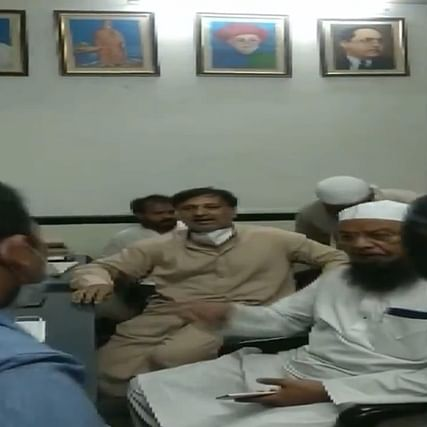 Watch: AIMIM MLA Mufti Mohammad Ismail, supporters misbehave with doctor in Nashik, arrested