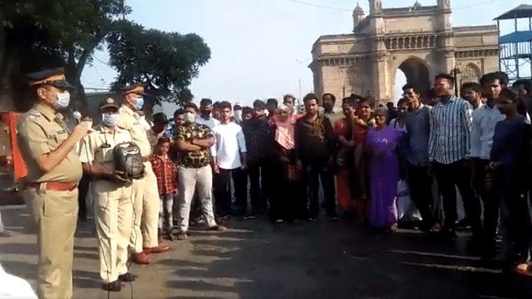 Coronavirus in Mumbai: Police posts video of people gathered together to listen to PSA on social distancing