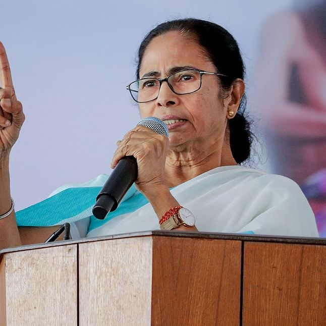 Even as Mamata Banerjee explains social distancing, Twitterati wonder why everyone is standing so close
