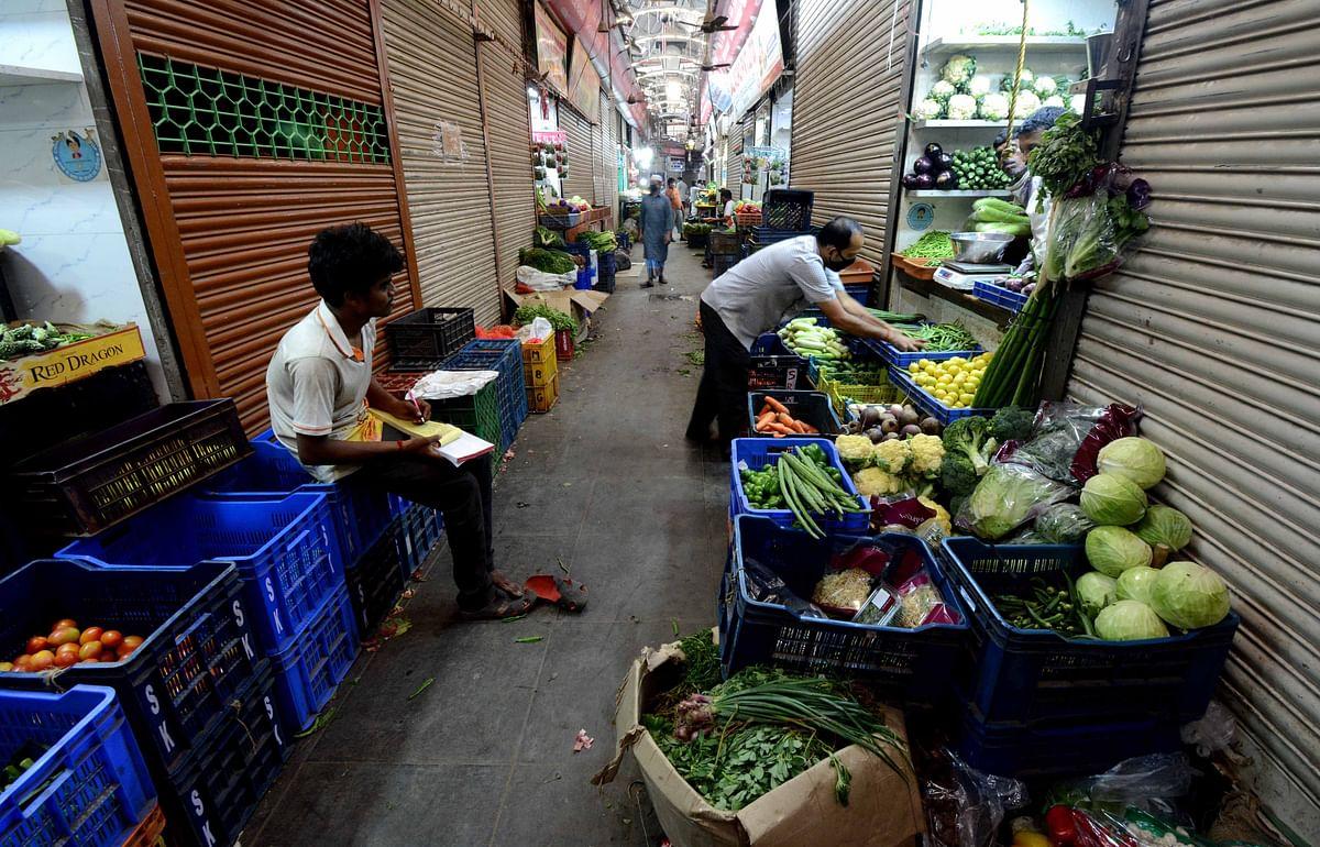 Excess supply derails vegetable market, no fresh arrival till stocks last