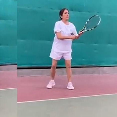 Neena Gupta plays outdoor tennis amid coronavirus scare, says 'kal sab ouch hoga'