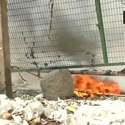 On Janta Curfew day, Shaheen Bagh protesters allege a petrol bomb was hurled nearby