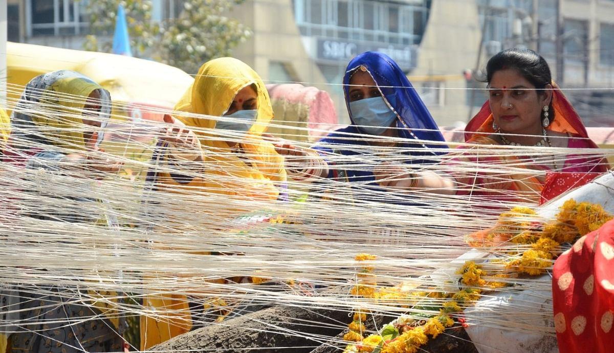 Dasha Mata Poojan: Masks on women pray seeking protection from Coronavirus in Indore