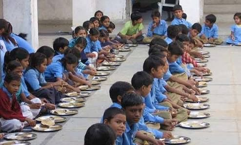 Kids still deprived of midday meal, Bombay HC told