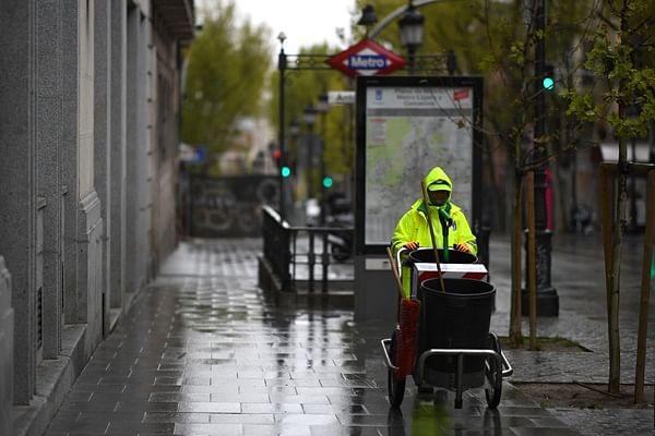 Coronavirus update: Spain reports 812 deaths in 24 hours