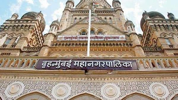 Coronavirus in Mumbai: Residents allege BMC workers have left filth from nullahs on the road for over a week