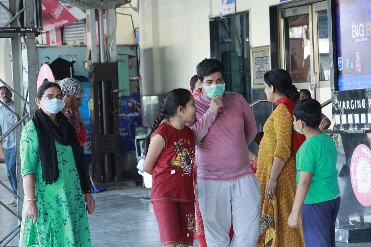 Coronavirus Update in Madhya Pradesh: Malls, marriage gardens, sanctum-sanctorum of temples closed from today in Indore