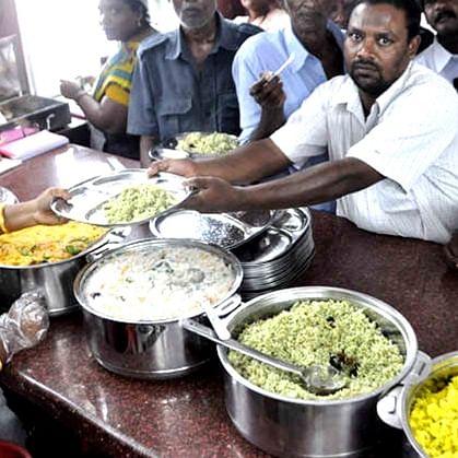 Coronavirus update: Maha govt to run community kitchens to feed hungry