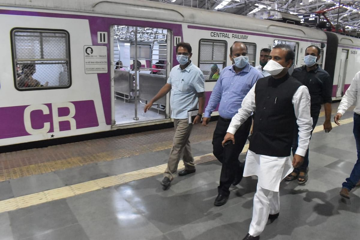 Coronavirus update: Mumbai local trains stopped for commuters, only 'essential service' officials allowed