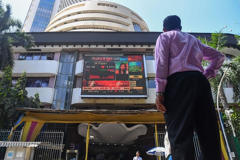 Market Update: Sensex rallies 400 points amid positive cues from global markets