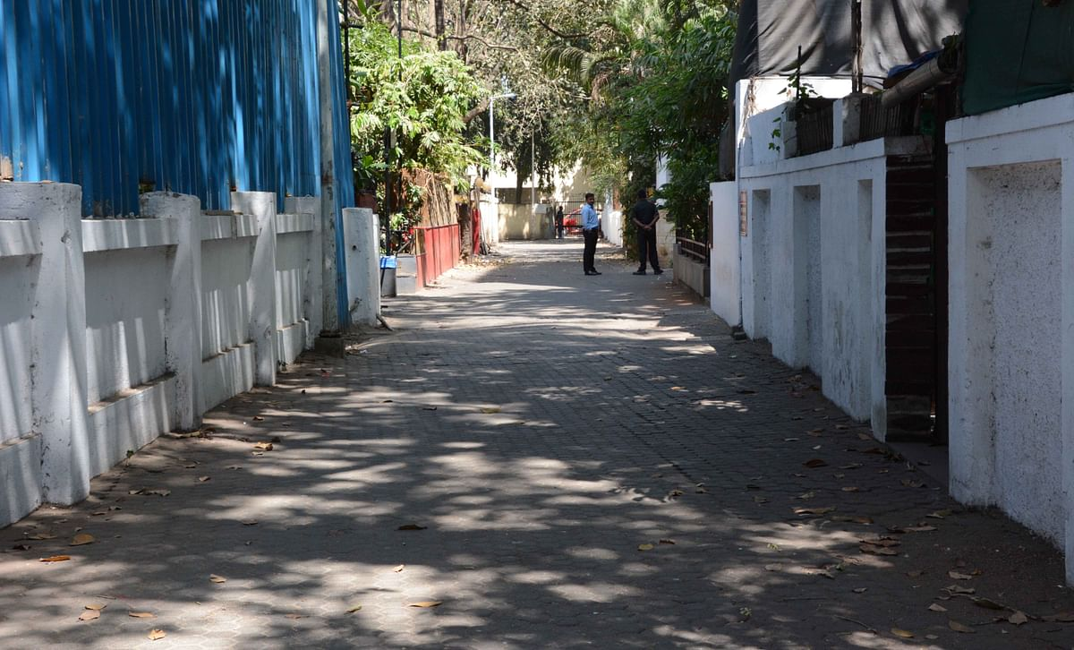 Prithvi Theatre Juhu near Society this year not play holi for corona virus alert