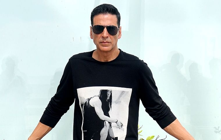 'Yet some low lives call him Canadian': Twitter hails Akshay Kumar for donating Rs 25 cr to fight COVID-19