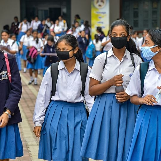 Bhopal: Don't charge high for masks, collector warns drug sellers