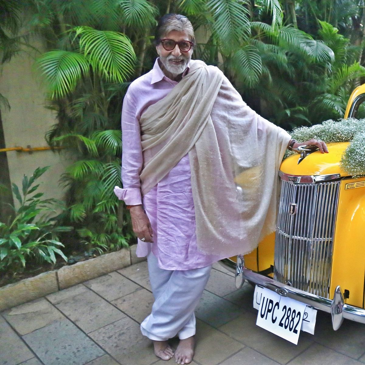 Amitabh Bachchan is 'speechless' as he shares a frame with his vintage car
