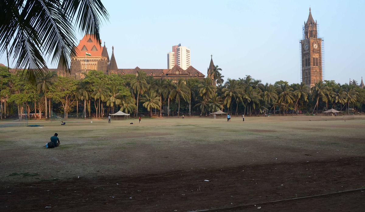 Mumbai's Oval Maidan suspends cricket matches.