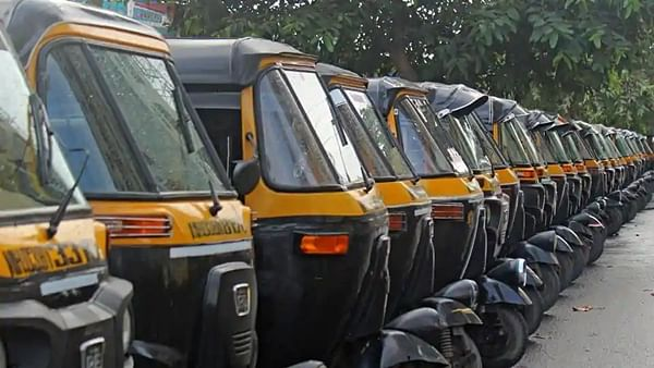 Pune and Pimpri-Chinchwad: Auto-rickshaw union demand compensation for loss amid lockdown; call for one-day bandh