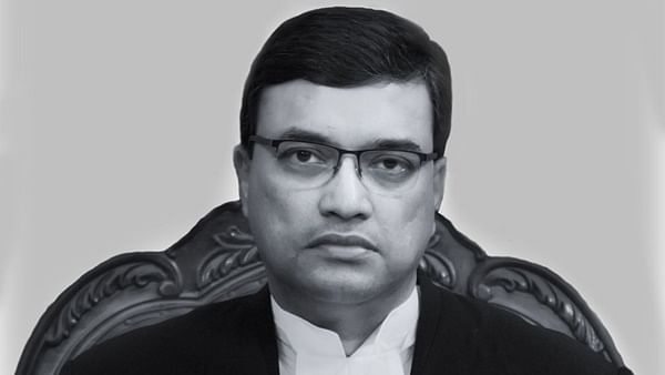 Incoming Chief Justice of Bombay HC covers 2000 km by car to assume office