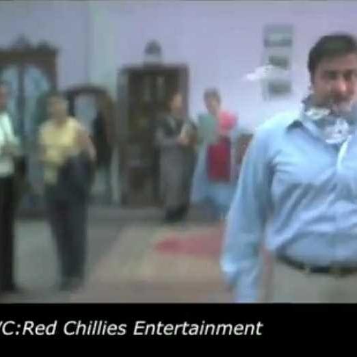 Mumbai Police uses Shah Rukh Khan's 'Main Hoon Naa' 'spit-stunt' to spread COVID-19 awareness