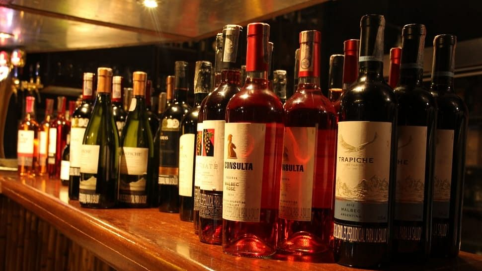 Navi Mumbai: Senior citizen from Nerul duped of Rs 42,500 after he orders liquor online