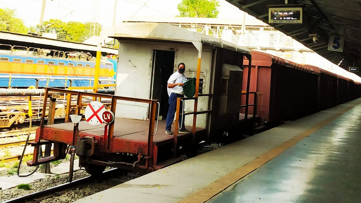 Central Railway's Real Heroes: Loco Pilot, Assistant Loco Pilot, Guard & Electrical Technician