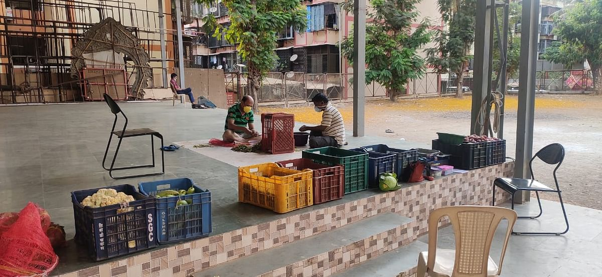 Community service during lockdown; Youth brigade helps transport vegetables, foodgrains & fruits