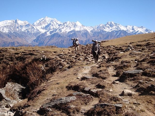 Unemployed Nepali sherpas to be recruited for cleaning up trekking trails in Himalaya