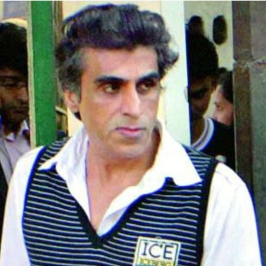 Producer Karim Morani tests positive for COVID-19 the second time, family worried as he's a 'heart patient'