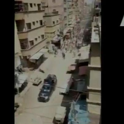 Watch: Locals in Pakistan's Karachi pelt stones, chase away police van amid coronavirus lockdown