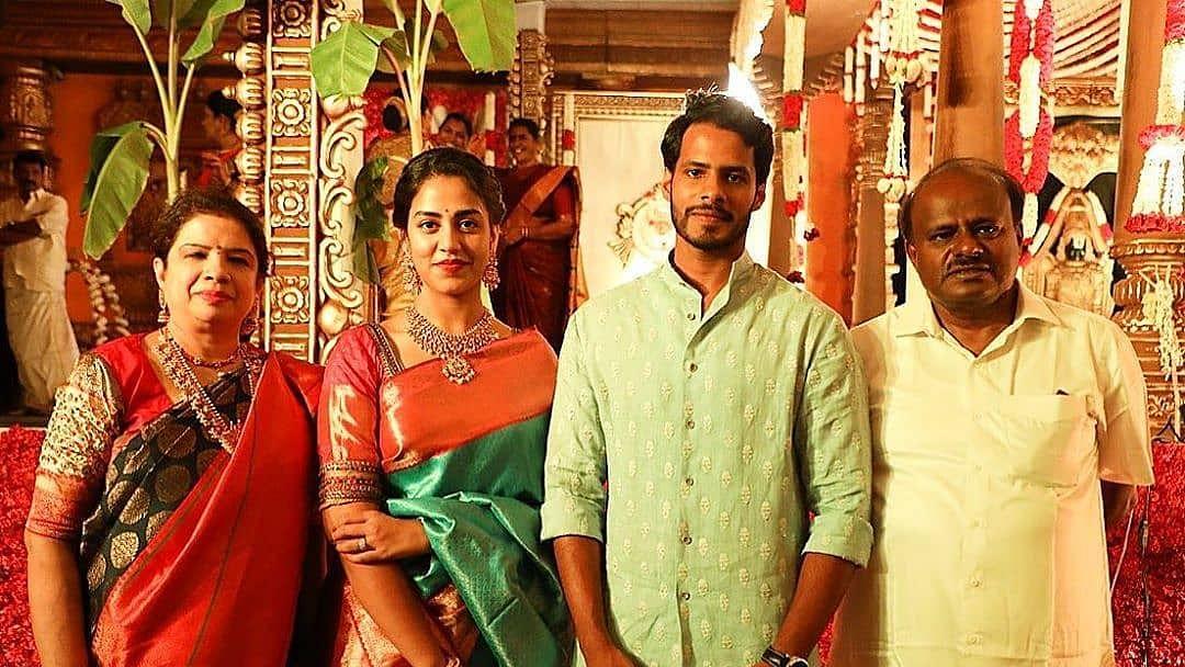 What social distancing? Inside pics of Kumaraswamy's son Nikhil Gowda, Revathi's wedding amid COVID-19 lockdown